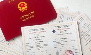 Từ ngày 1/8, bãi bỏ chứng chỉ tin học, ngoại ngữ cho công chức hành chính, văn thư