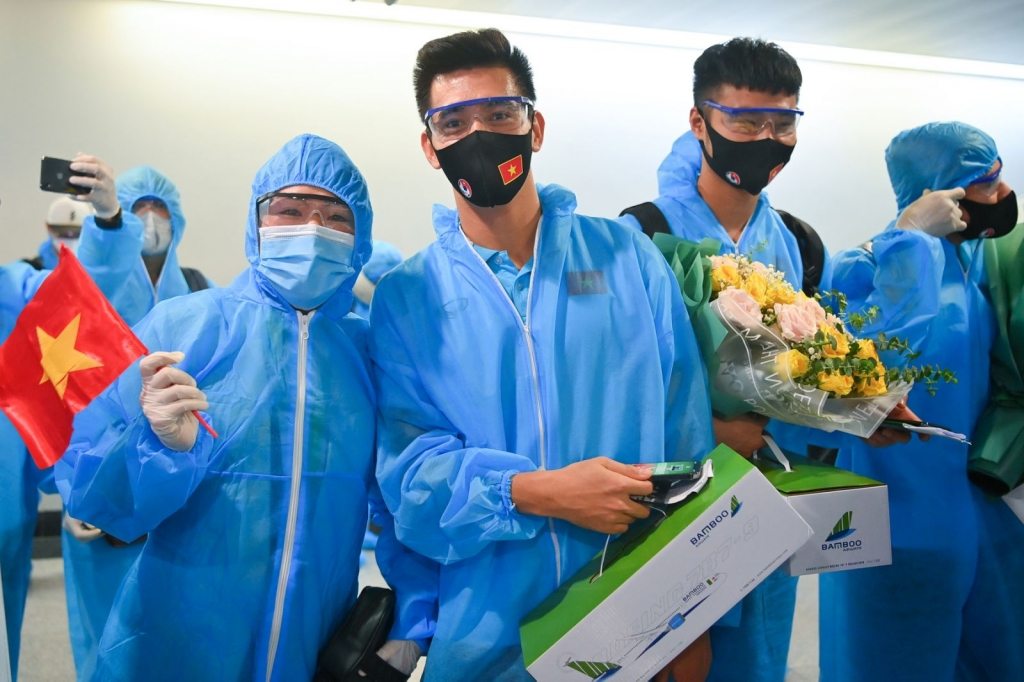 """Chuyến bay đặc biệt của Bamboo Airways đón những """"chiến binh sao vàng"""" của Đội tuyển Việt Nam về nước"""