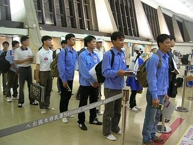 Kiến nghị tiêm chủng cho các lao động Việt Nam làm việc ở nước ngoài