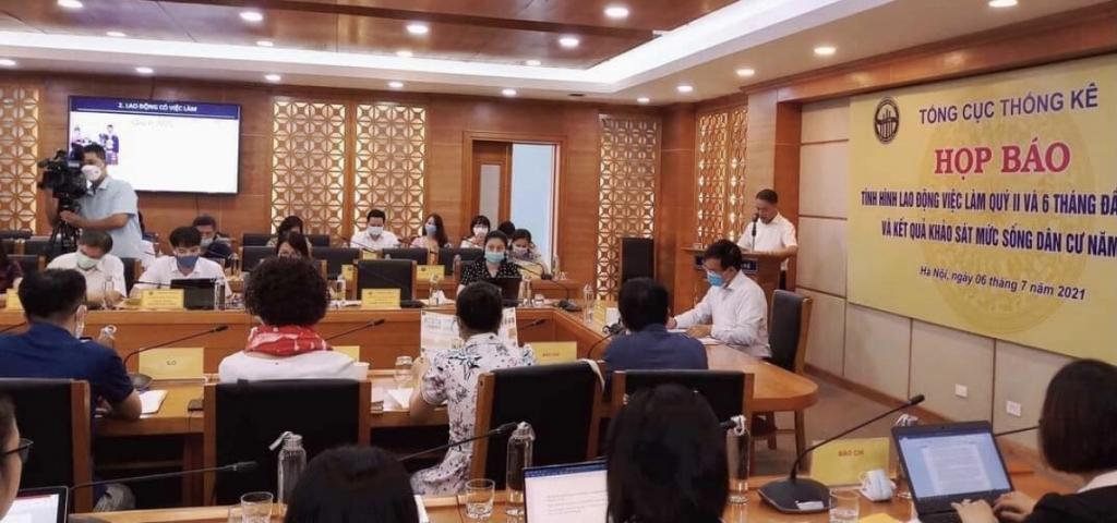 Ông Phạm Hoài Nam cho biết, đại dịch Covid-19 đã tước đi cơ hội tham gia thị trường lao động của hơn 1,7 triệu dân số từ 15 tuổi trở lên.