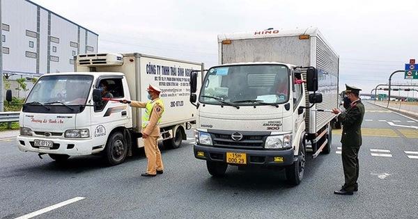 Không kiểm tra giấy xét nghiệm Covid-19 với người vận chuyển hàng hoá trong nội tỉnh