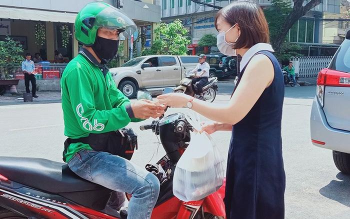 Hà Nội dừng hoạt động shipper tự do
