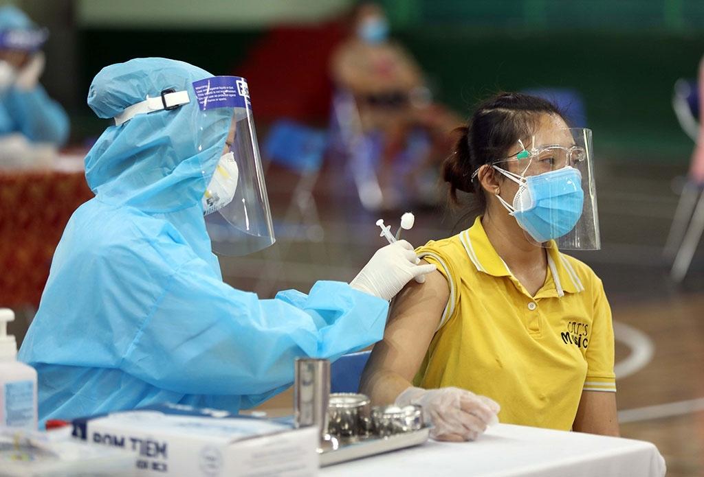 Bộ Y tế nghiêm cấm thu tiền tiêm vaccine COVID-19