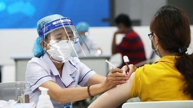 Bộ Y tế nghiêm cấm mọi hành vi thu phí, trục lợi từ tiêm vaccine phòng COVID-19