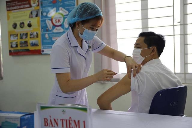 Bộ Y tế sẽ điều chuyển vaccine COVID-19 nếu địa phương nào tiêm chậm