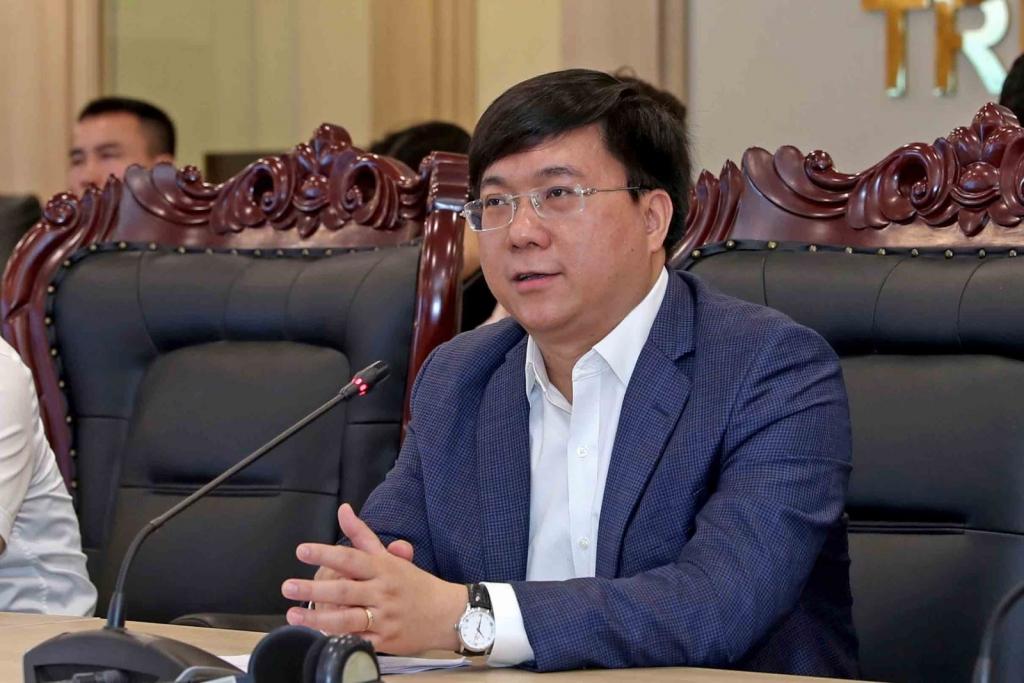 Thứ trưởng Trần Duy Đông thay mặt Bộ KH&ĐT báo cáo dự thảo Kế hoạch cơ cấu lại nền kinh tế 2021-2025 cáo dự thảo