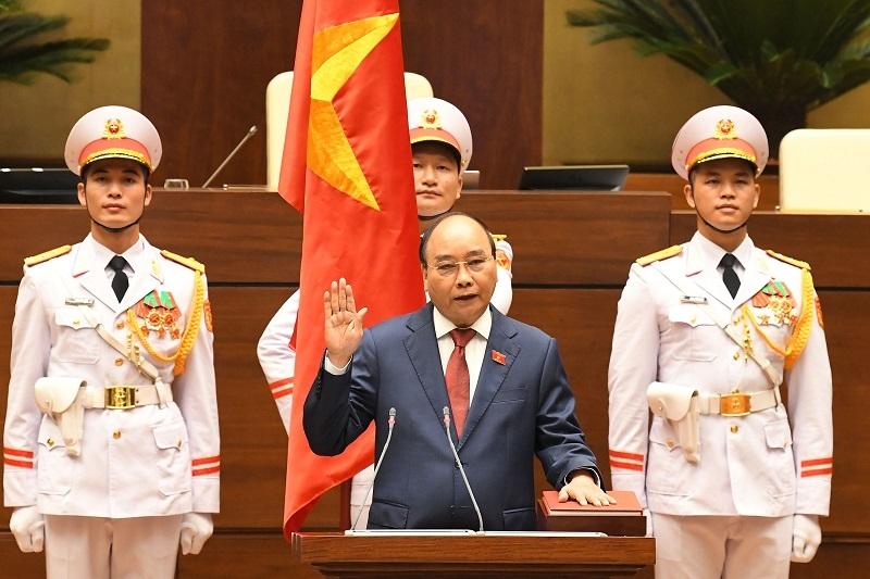 Ông Nguyễn Xuân Phúc được tái bầu giữ chức Chủ tịch nước