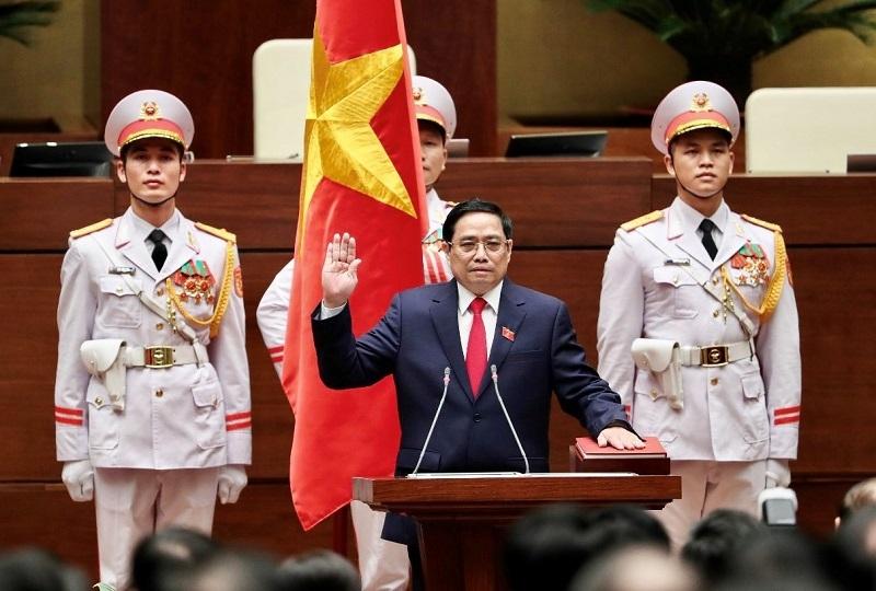 Phát huy sức mạnh con người Việt Nam, phát triển Đất nước phồn vinh, hạnh phúc