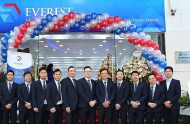 Chứng khoán Everest bán được 300 tỷ đồng trái phiếu cho hầu hết nhà đầu tư cá nhân