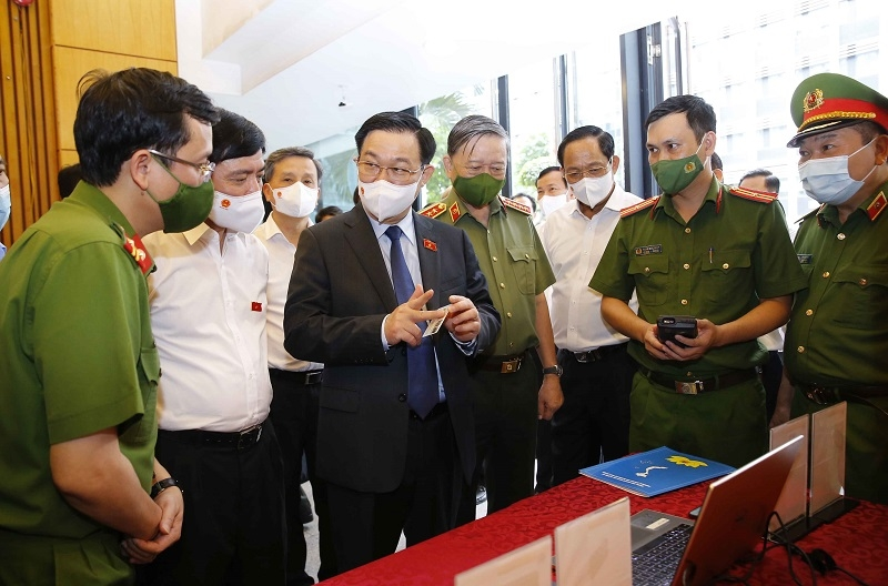 Chủ tịch Quốc hội Vương Đình Huệ: Cần chuẩn bị tốt cho việc bỏ sổ hộ khẩu giấy