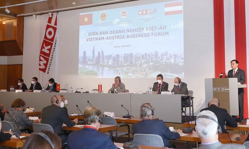 Việt Nam cam kết tạo lập môi trường kinh doanh hướng đến chuẩn mực của OECD