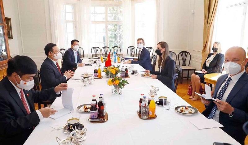 Chủ tịch Quốc hội Vương Đình Huệ mong Phần Lan sớm phê chuẩn EVIPA
