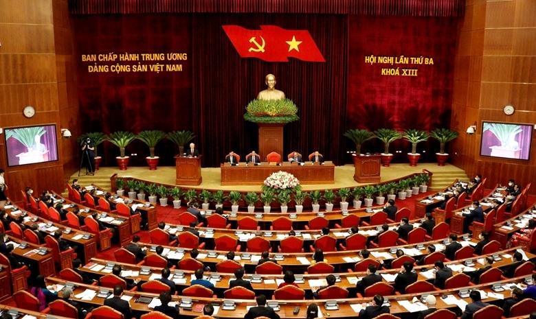 Bộ Chính trị khuyến khích cán bộ năng động, sáng tạo vì lợi ích chung