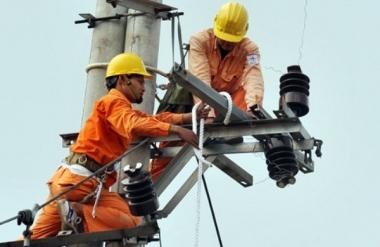 Áp lực tăng giá điện năm 2015 ngày càng rõ nét