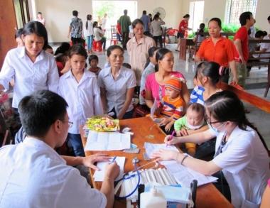 Hơn 6 triệu lượt người người nghèo được khám bệnh và cấp thuốc miễn phí