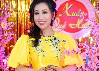 Nữ hoàng Kim Trang xinh tươi đón tết