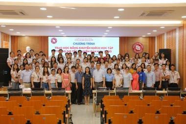 Ấm áp lễ trao học bổng khuyến khích học tập nhân dịp Tết Nguyên đán năm 2020