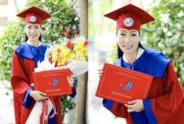 NSƯT Trịnh Kim Chi nhận bằng tốt nghiệp sau 4 năm miệt mài học tập