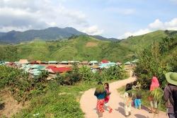 Các xã, thôn vùng dân tộc thiểu số và miền núi tiếp tục hưởng chính sách an sinh xã hội