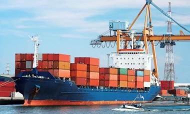 Việt Nam xuất siêu 865 triệu USD trong 2 tháng đầu năm