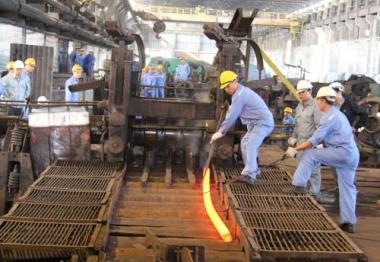 Sản xuất và tiêu thụ thép giảm mạnh tháng đầu năm