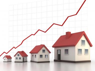 Giá nhà ở TP. Hồ Chí Minh tăng, Hà Nội giảm