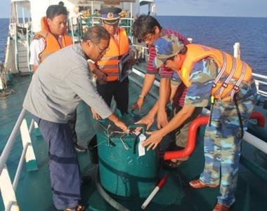Chống buôn lậu trên biển: Cũng lắm gian nan!