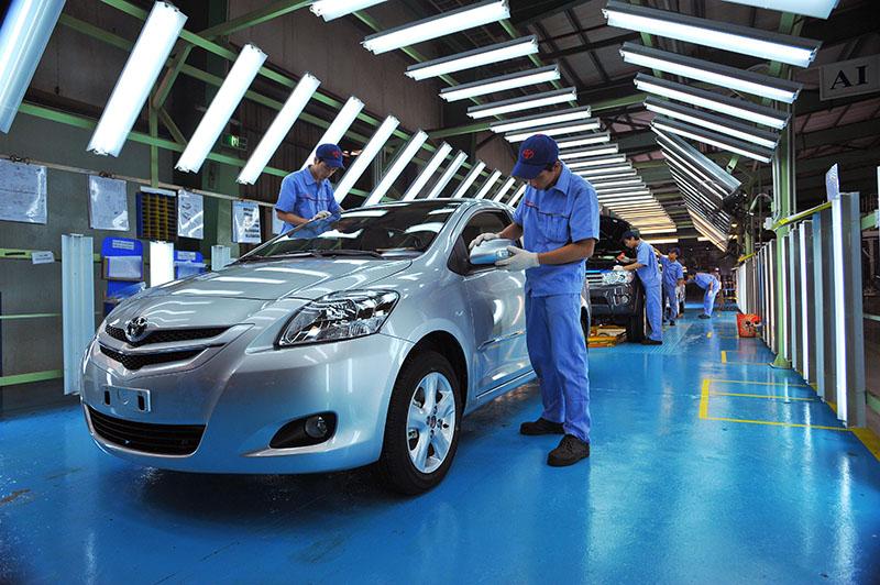 Tháng 2/2015: Sản lượng tiêu thụ ô tô đồng loạt giảm