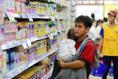 Áp trần giá sữa: Cần sớm bãi bỏ