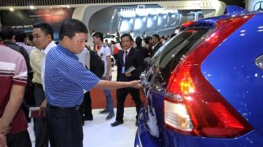 Tháng 02/2016: Sản lượng tiêu thụ ô tô giảm nhẹ