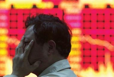 """Nhà đầu tư """"ồ ạt"""" rút vốn khỏi Trung Quốc"""
