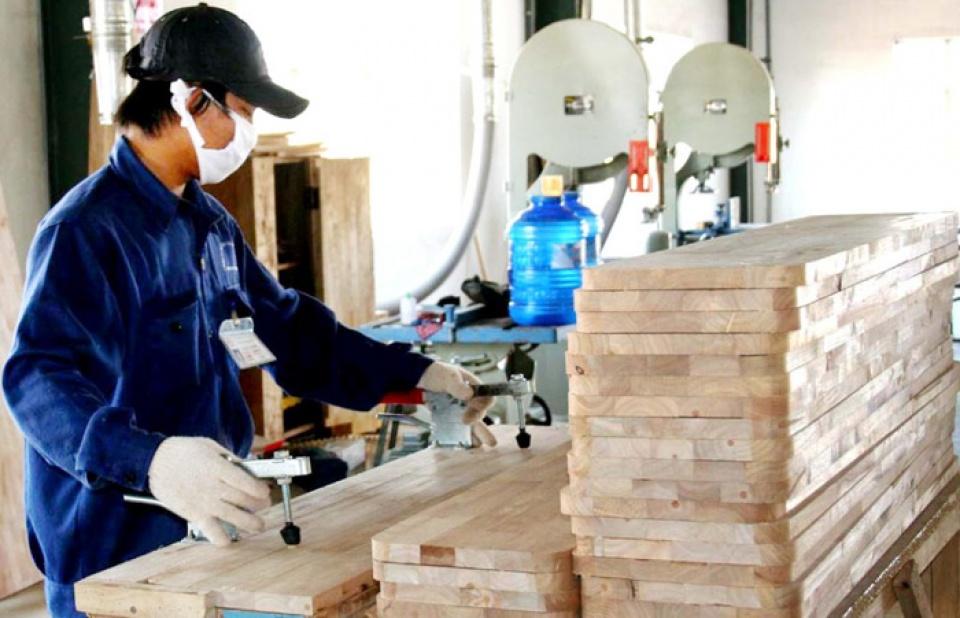 Thủ tướng yêu cầu tiếp tục đẩy mạnh hỗ trợ và phát triển doanh nghiệp