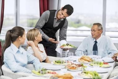 3 kỹ năng không thể thiếu của một Waiter chuyên nghiệp
