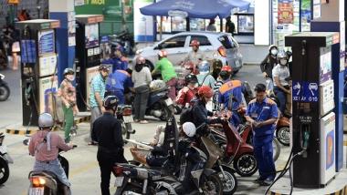 Xăng, dầu đồng loạt giảm giá mạnh