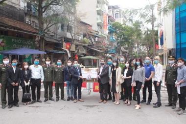 Hà Nội: Tặng khẩu trang, nước rửa tay khô, phối hợp tuyên truyền phòng chống COVID19