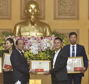 TIG được Bộ trưởng, Chủ nhiệm Văn phòng Chính phủ tặng bằng khen