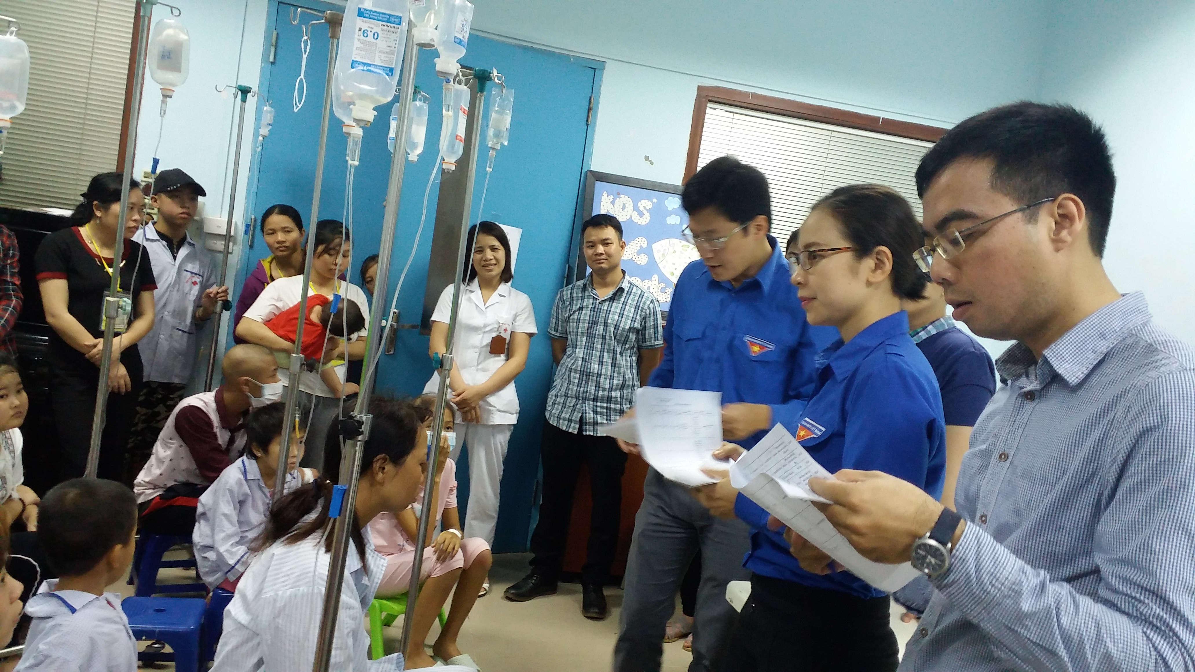 Trao 26 suất quà cho các bệnh nhân có hoàn cảnh khó khăn