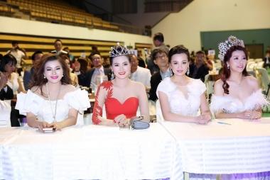 Á hậu Yến Vân làm giám khảo cuộc thi Hoa hậu Doanh nhân Thế giới người Việt tại Hàn Quốc 2017