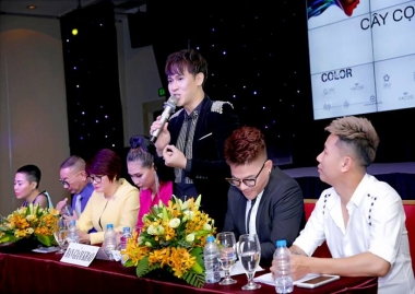 """Ca sĩ Nguyên Vũ ngồi ghế BGK """"Host"""" cuộc thi Cây Cọ Vàng 2018"""