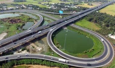 Nhiều rào cản trong thu hút đầu tư tư nhân cho phát triển hạ tầng