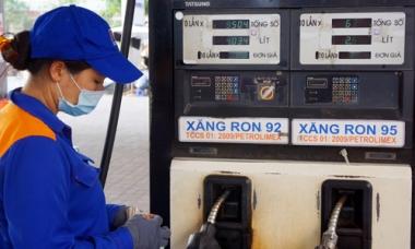Giá dầu tăng, giữ nguyên giá xăng