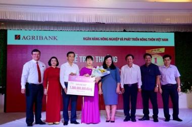 Agribank trao sổ tiết kiệm 1 tỷ đồng cho khách hàng trúng giải Đặc biệt