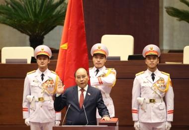 Tân Chủ tịch nước Nguyễn Xuân Phúc: Đất nước ta nhất định đến bến bờ bình an và hạnh phúc…