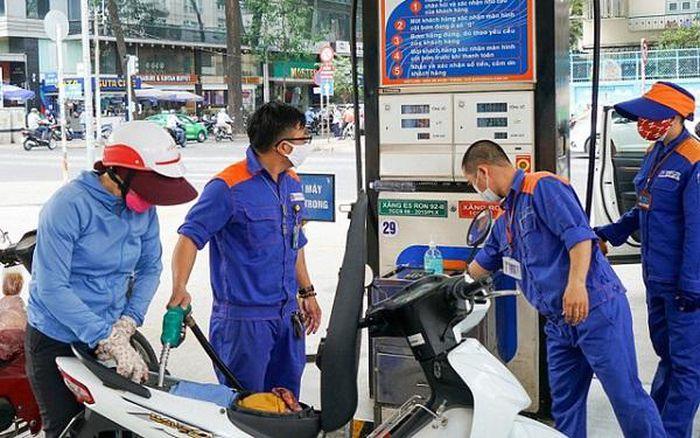 Giá xăng, dầu giảm nhẹ từ 16h30 chiều nay (ngày 12/4)
