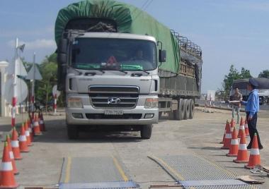 Tăng cường quản lý kinh doanh vận tải và kiểm soát tải trọng