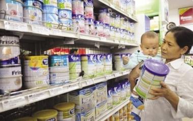 Có thể xem xét bỏ giá trần sữa trẻ em dưới 6 tuổi từ đầu tháng 7
