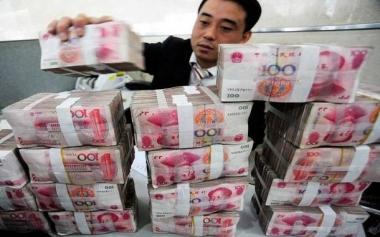 """Trung Quốc """"mạnh tay"""" hạ giá Nhân dân tệ"""