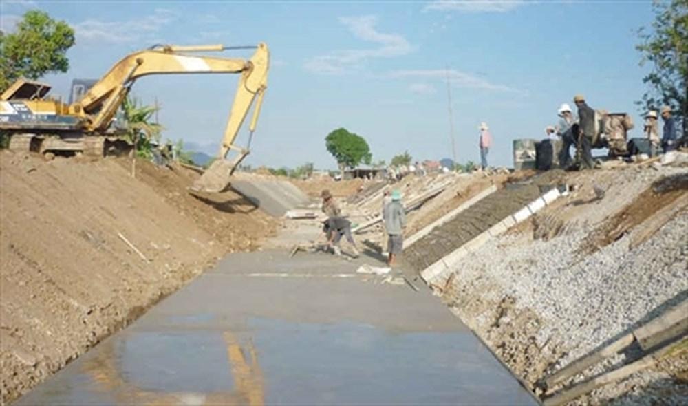 Tổ chức, cá nhân khai thác công trình thủy lợi cần những điều kiện gì?