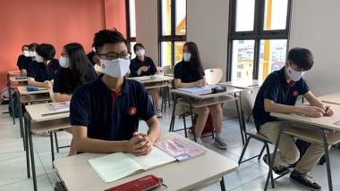 Từ hôm nay, học sinh không bắt buộc phải đeo khẩu trang trong lớp học