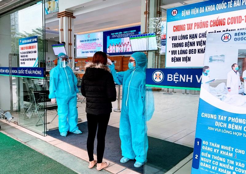 Bộ Y tế yêu cầu thực hiện 8 biện pháp phòng, chống COVID-19 trong cơ sở khám, chữa bệnh